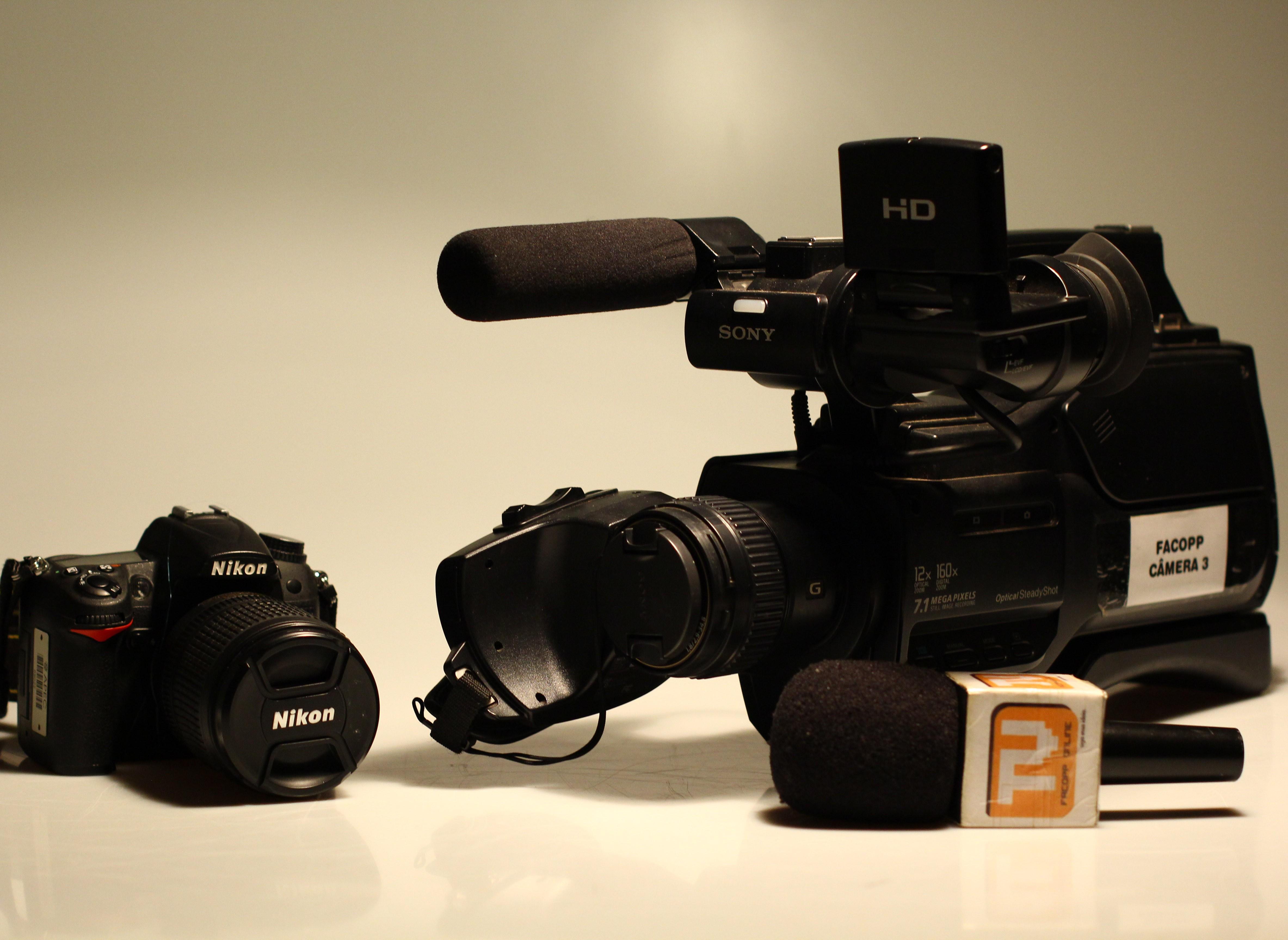 TV e Fotografia abrem oportunidades de estágio