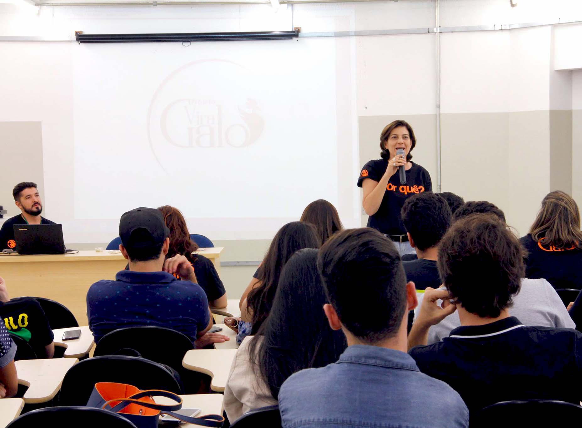Alunos de Publicidade e Propaganda apresentam o projeto Vira Galo