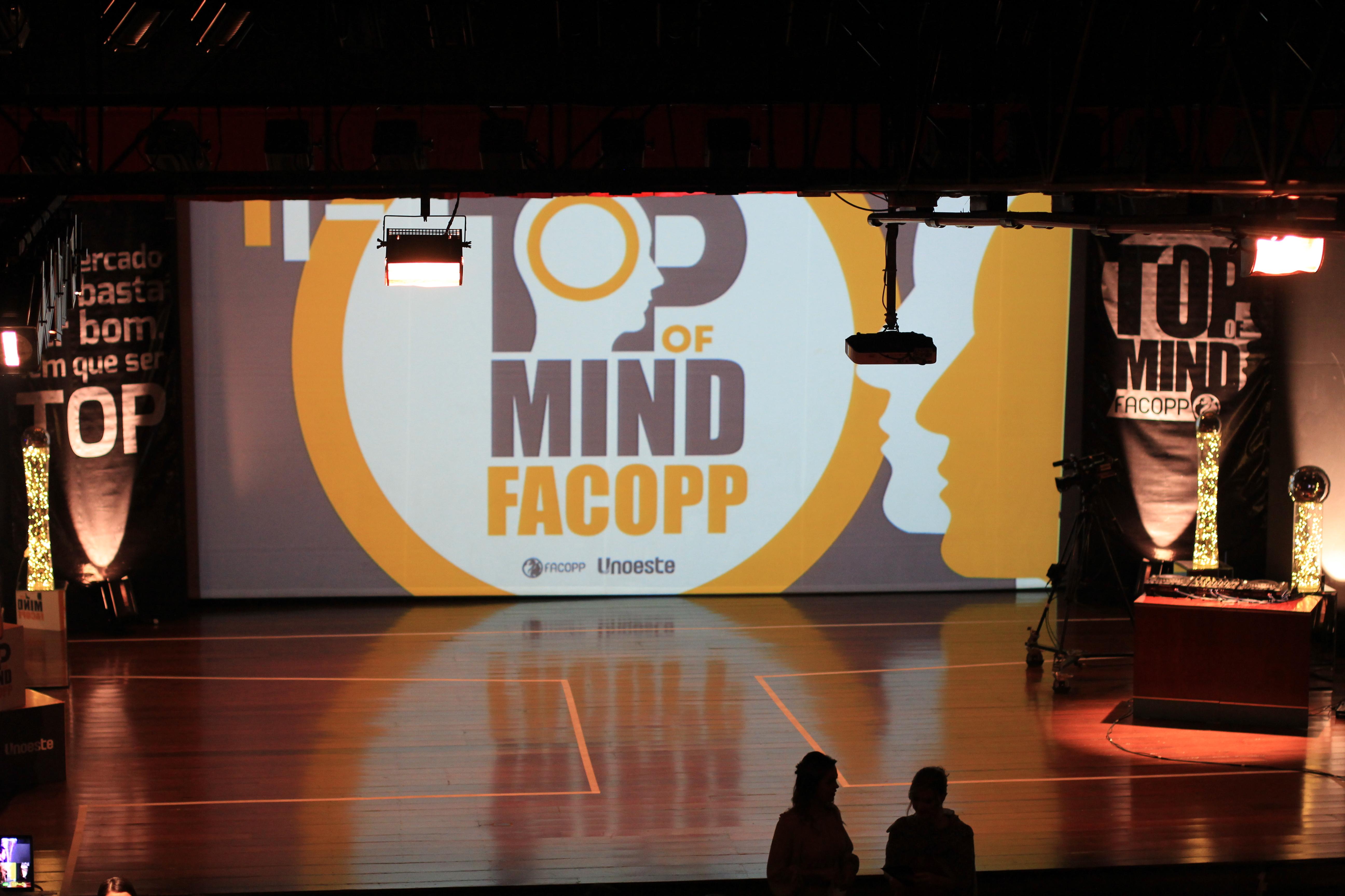 Premiações e atrações marcam a noite do 11º Top of Mind