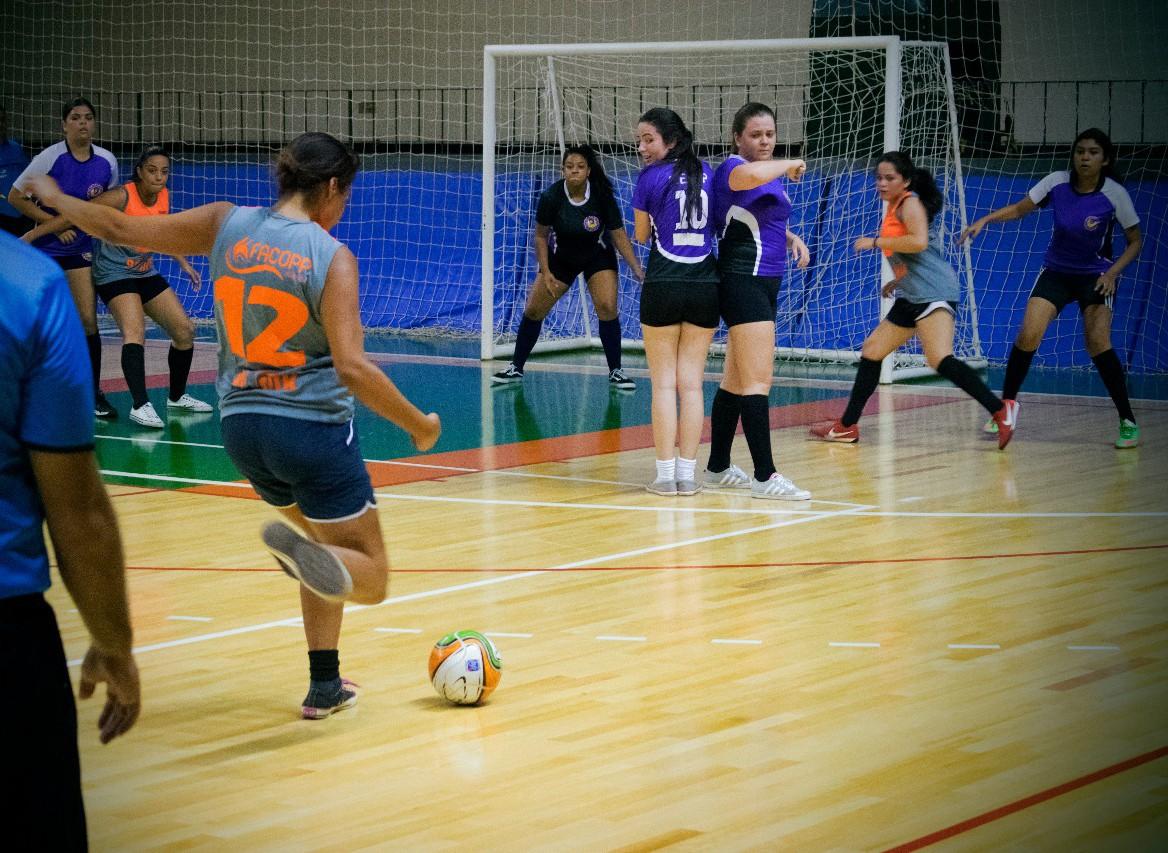 Futsal feminino vence Fepp no Intercalouros