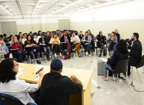 Mesa Redonda discute inovação, tecnologia, educação e inclusão