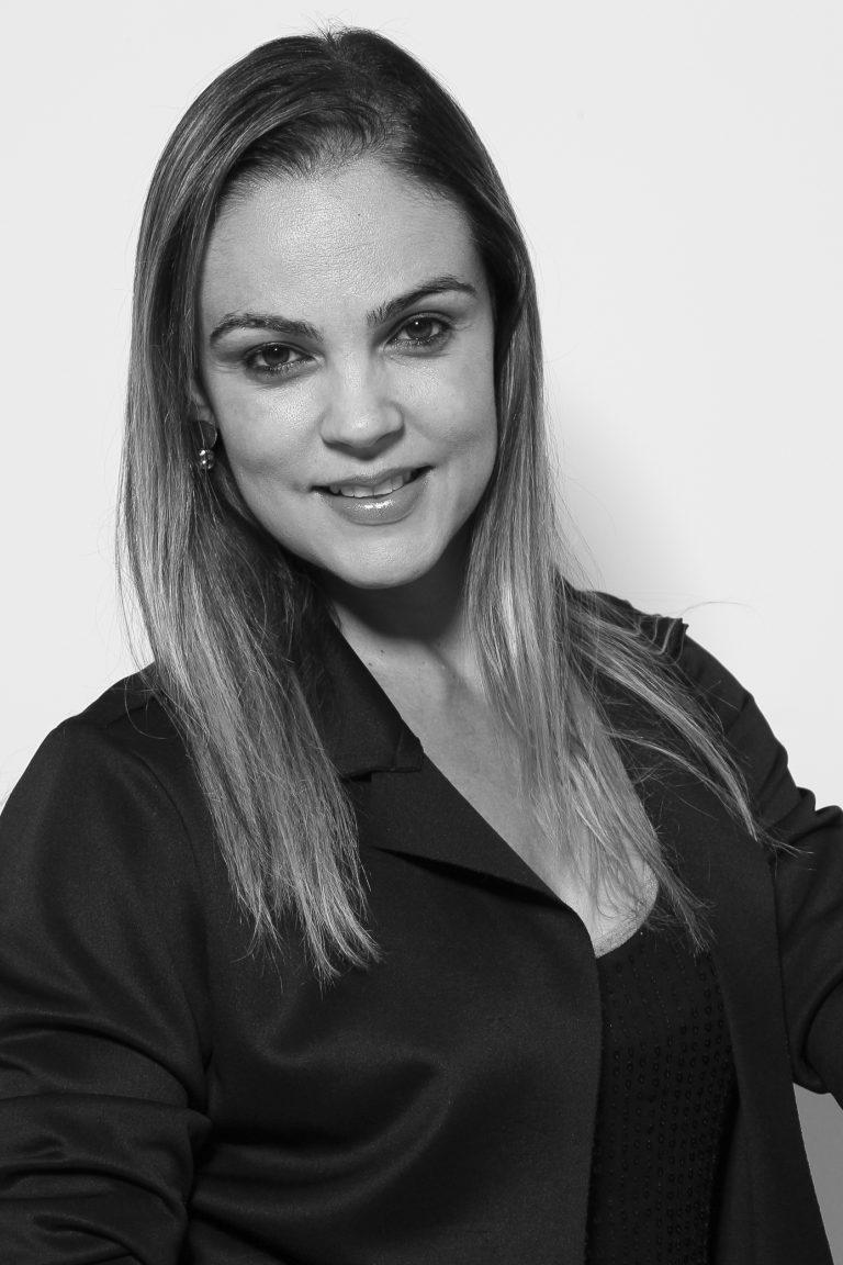 Doutora Larissa Crepaldi Trindade, Coordenadora do Curso de Publicidade e Propaganda e Tec. em Fotografia. Foto: Felipe Piquione