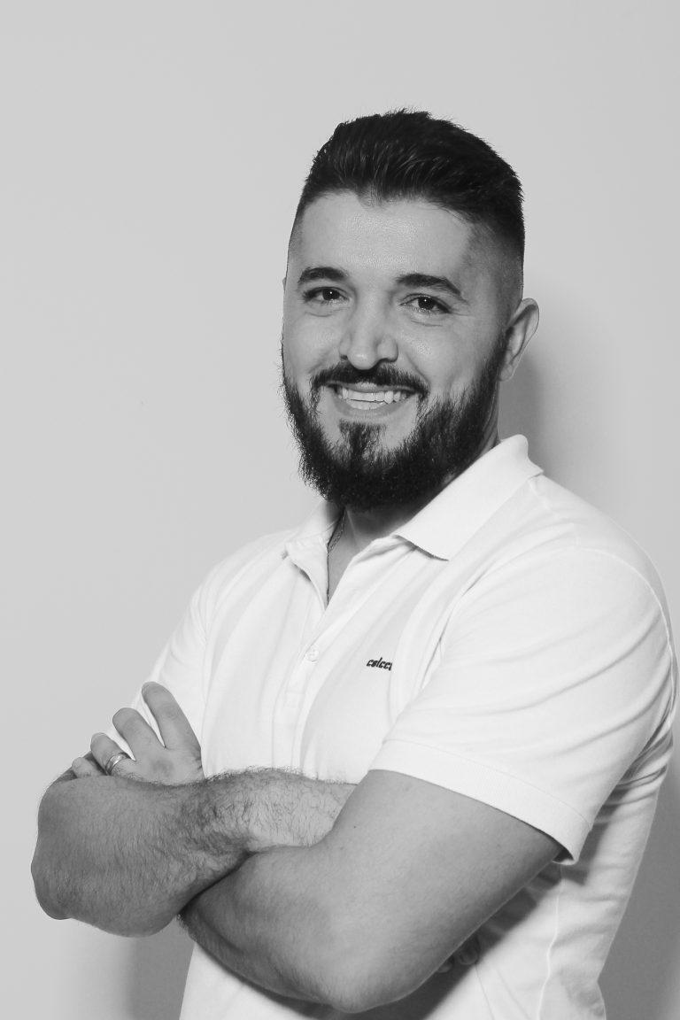 Especialista Alexandre Lucas Bavaresco Macedo, professor nos Cursos de Publicidade e Propaganda e Tec. em Fotografia. Crédito: Felipe Piquione