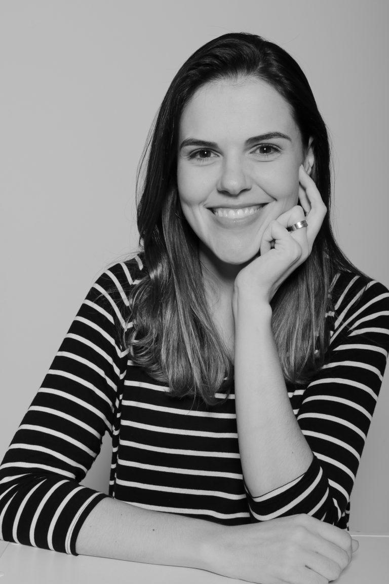 Doutora Maria Luisa Hoffmann, professora nos Cursos de Jornalismo, Publicidade e Propaganda e Tec. em Fotografia. Crédito: Isadora Crivelli