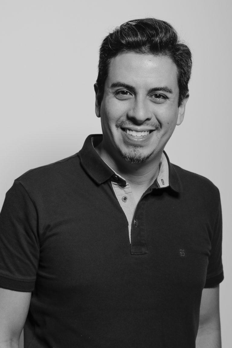 Especialista Thomas Aguilera Fernandes, professor no Curso de Tec. em Fotografia. Crédito: Matheus Rodolpho
