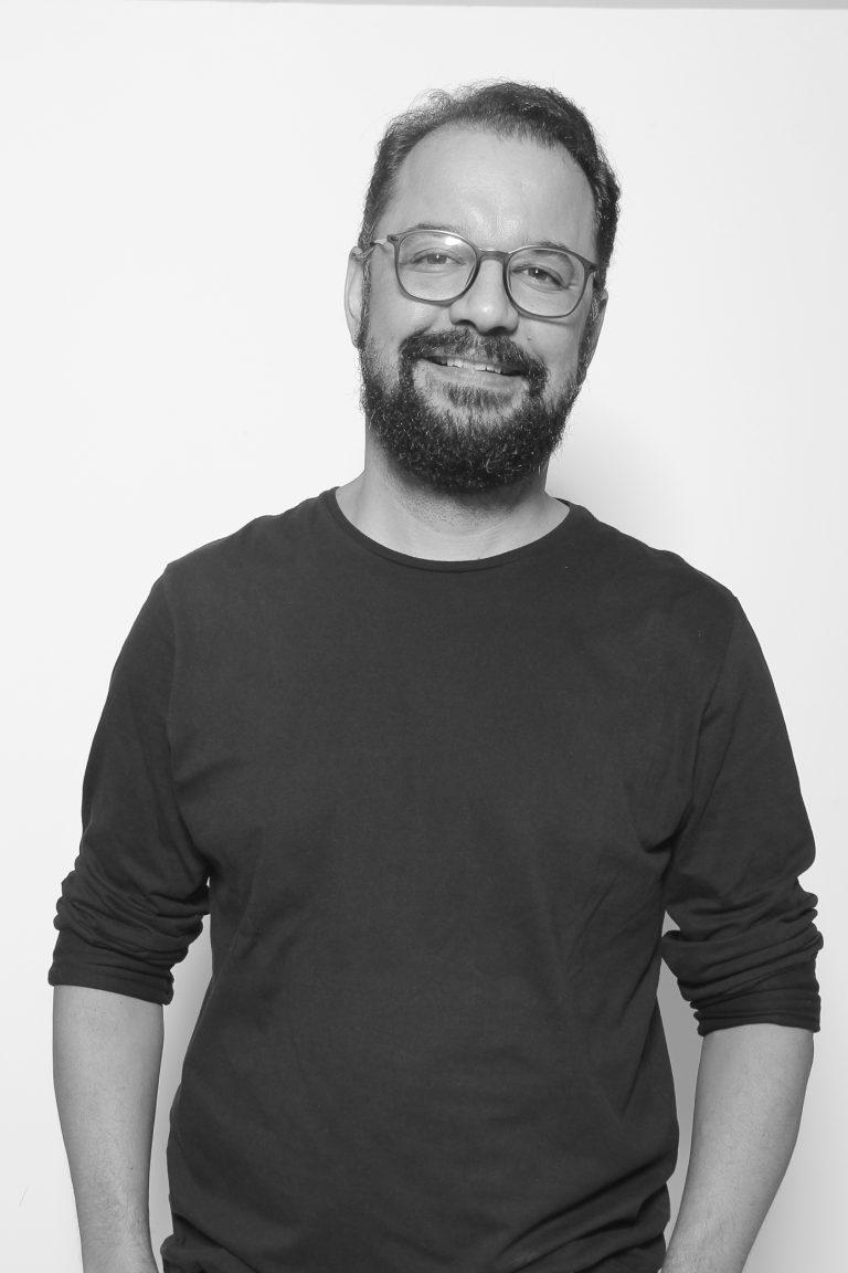 Doutor Wagner Aparecido Caetano, professor nos cursos de Jornalismo e Publicidade e Propaganda. Crédito: Okubo