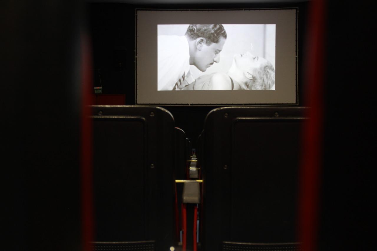 No dia do cinema brasileiro, alunos e professores falam sobre o setor
